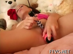 hotty fondles her fur pie