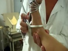 honey giving an old doctor a blowjob