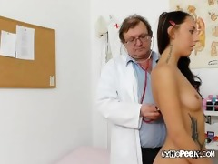 ell acquires examined nude by old medic