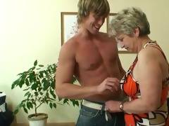 old housewife gets nailed by an young boy-friend