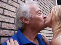 old gustavo receives bernices young soaked crack