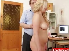 jennifer cum-hole speculum scrutiny at hospital