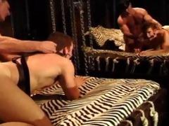 bodybuilder daddy acquires bj,fucks muscle guy