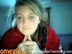 very hawt omegle cutie flashes