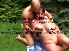 fit chap bonks big beautiful woman in garden